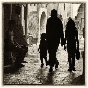 Mujeres y niños, Marruecos en la sombra