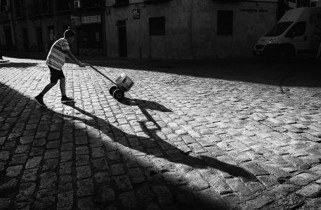 Esa sombra que me lleva